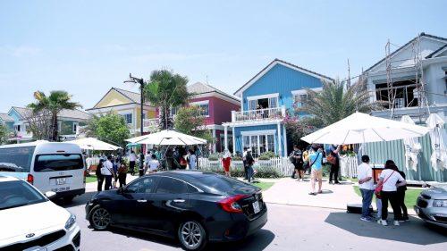 Rất đông nhà đầu tư từ Hà Nội tham quan biệt thự mẫu dự án NovaWorld Phan Thiet trong sự kiện tháng 3 vừa qua.